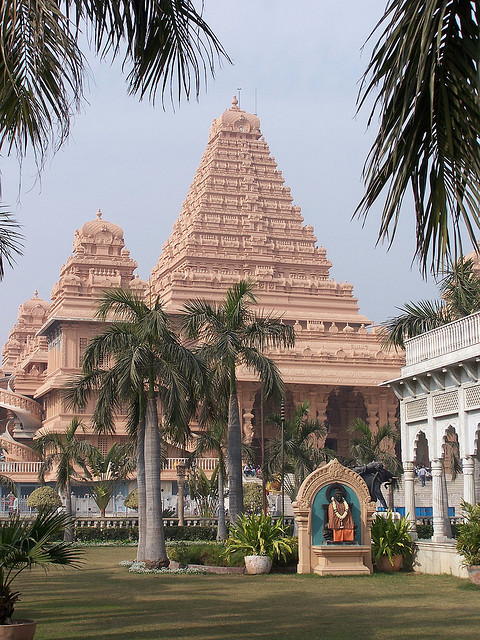 Chattarpur Temple Delhi Attractions