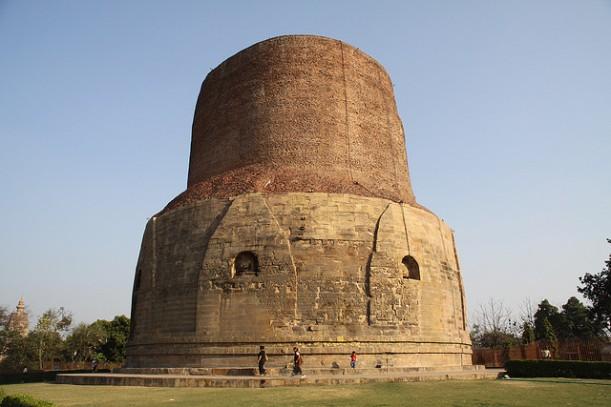 Dhamek_Stupa-Sarnath