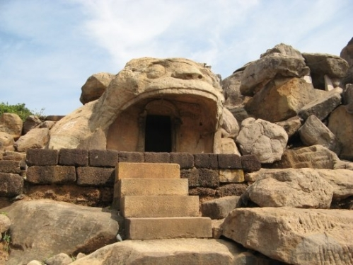 the-tiger-cave-at-udayagiri-caves-bhubaneswar