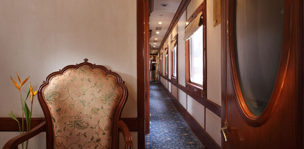 Lounge Of The Golden Chariot